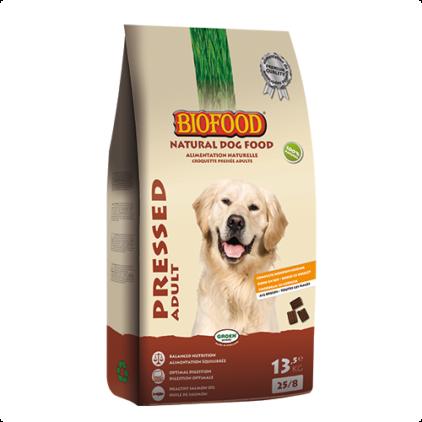 Biofood geperst adult, Nederlandse topkwaliteit met hoogwaardige natuurlijke grondstoffen. Volledige geperste hondenvoeding voor volwassen honden. 56% rund, kip, wild zwijn, vis en rijst. Met zalmolie en natuurkruiden. Rijk aan Omega 3 & 6 vetzuren. Hoge acceptatie en verteerbaarheid.